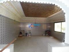 Villa plain pied usage bureau de 2000m² en location à Souissi
