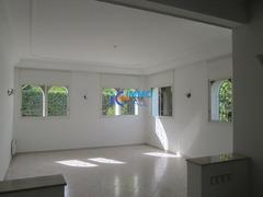 Villa moderne de 1000m² en location à Hay raid