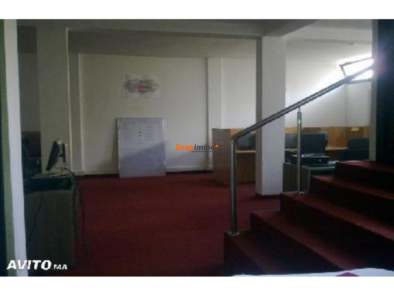 Location appartement usage bureaux zone commerce a sale al jadida