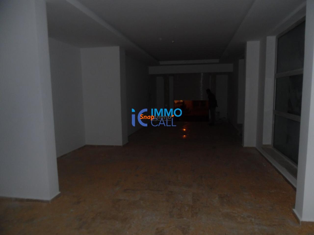Magasin de 128 m² en location à Hay raid - 2/4