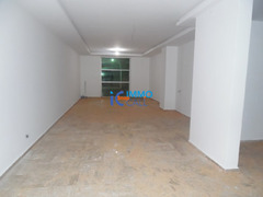 Magasin de 128 m² en location à Hay raid - Image 3/4