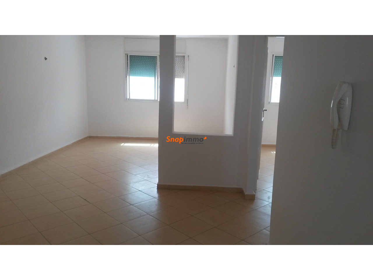 appartement 60 m2 avec deux fa ades tanger. Black Bedroom Furniture Sets. Home Design Ideas