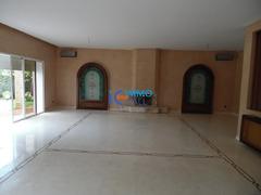 Villa de 2000 m² en location à Souissi