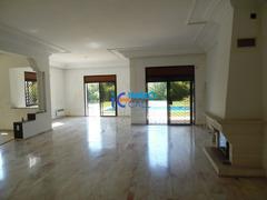 Luxueuse villa de 2000 m² en location située à Souissi