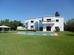 Luxueuse villa de 2000 m² en location à Souissi
