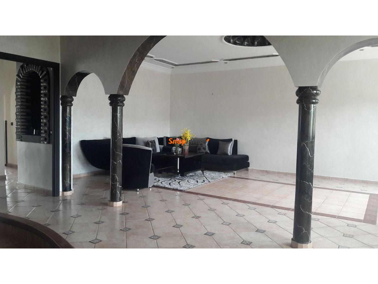 Villa à vendre de 303 mètres carrés. - 1/2