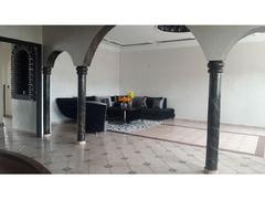 Villa à vendre de 303 mètres carrés.