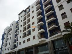 Bel appartement meublé, centre-ville, 6ème étage, vue sur mer