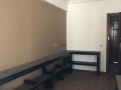 Vend Bureau environ 90 m²