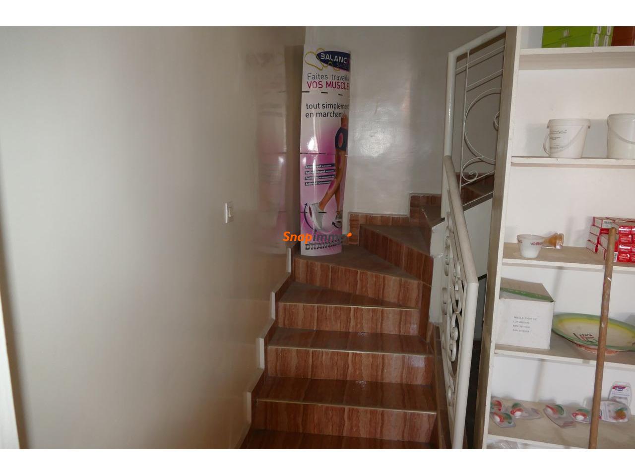 Magazain 2 etages a vendre - 4/6