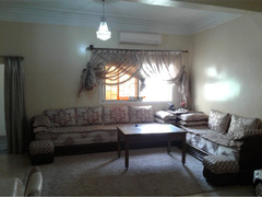 Villa titrée 204m négociable à Ain mediour