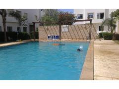 Un joli appartement avec piscine à vendre
